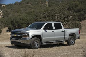 Chevrolet Silverado 2500 4x4 Doble Cabina LS On Star nuevo color A eleccion precio $630,900