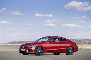 foto Mercedes Benz Clase C 300 Coupé Aut nuevo color Rojo precio $968,000