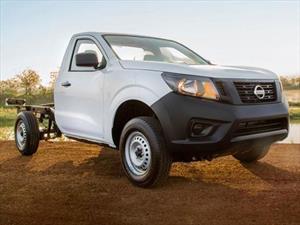 Nissan NP300 2.5L Chasis Cabina Diesel Dh A/A Paq. de Seguridad nuevo color A eleccion precio $350,700