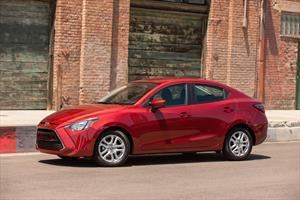 Foto Toyota Yaris R XLE Aut nuevo color A eleccion precio $294,300