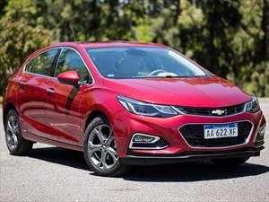 Chevrolet Cruze 5 LTZ + Aut financiado en cuotas anticipo $327.570