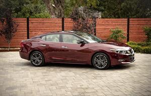 Nissan Maxima 3.5 SR financiado en mensualidades enganche $97,365 mensualidades desde $11,806