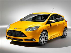 Ford Focus ST 2.0L vs. Volkswagen GTI 2.0T