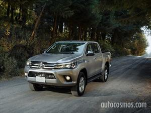 Toyota Hilux Cabina Doble Base financiado en mensualidades enganche $38,230