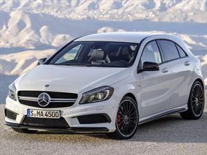 Foto venta Auto nuevo Mercedes Benz Clase A 45 AMG Aut color Blanco Cirro precio u$s103.500