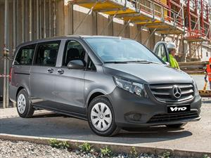 Foto Mercedes Benz Vito Tourer 121 Aut financiado