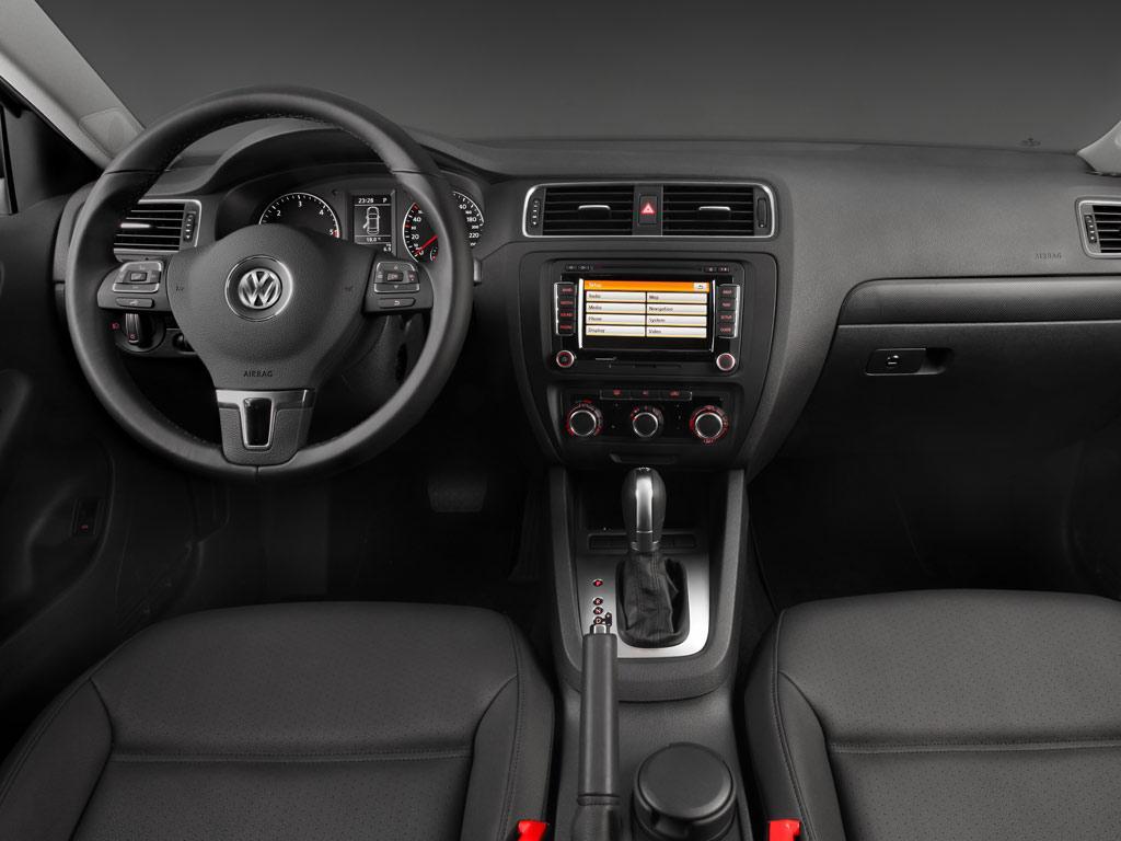 Volkswagen Jetta Style Active Tiptronic (2014)