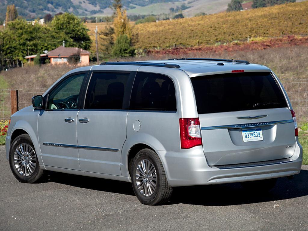 chrysler town and country lx 3 6l 2014. Black Bedroom Furniture Sets. Home Design Ideas