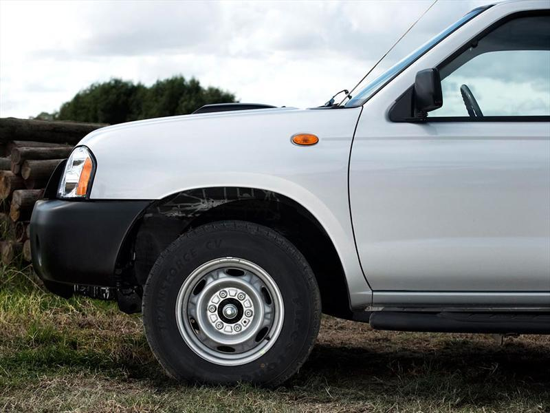 Gallery of Pick Up Nissan Np300 16 Valvulas