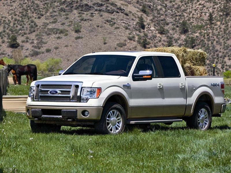 Ford Lobo Xlt 4x2 Cabina Y Media 2014