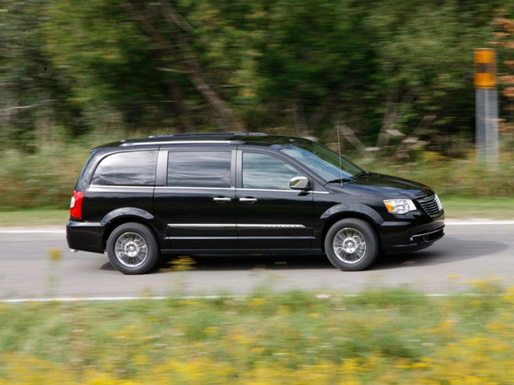 chrysler town and country touring 3 6l 2013. Black Bedroom Furniture Sets. Home Design Ideas