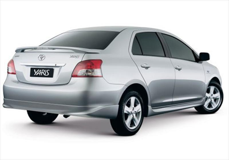 2008 toyota yaris manual sedan