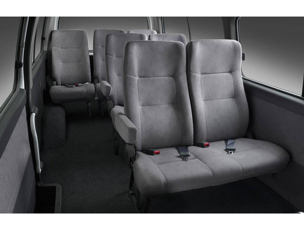 Nissan Urvan Diesel Larga 15 Pas Ac 2013