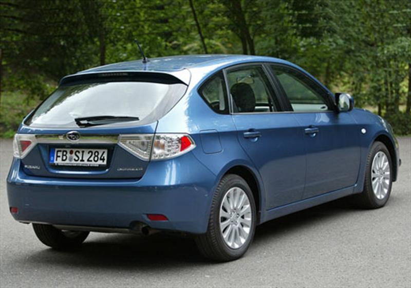 Subaru Impreza 2 0L R Aut 2013