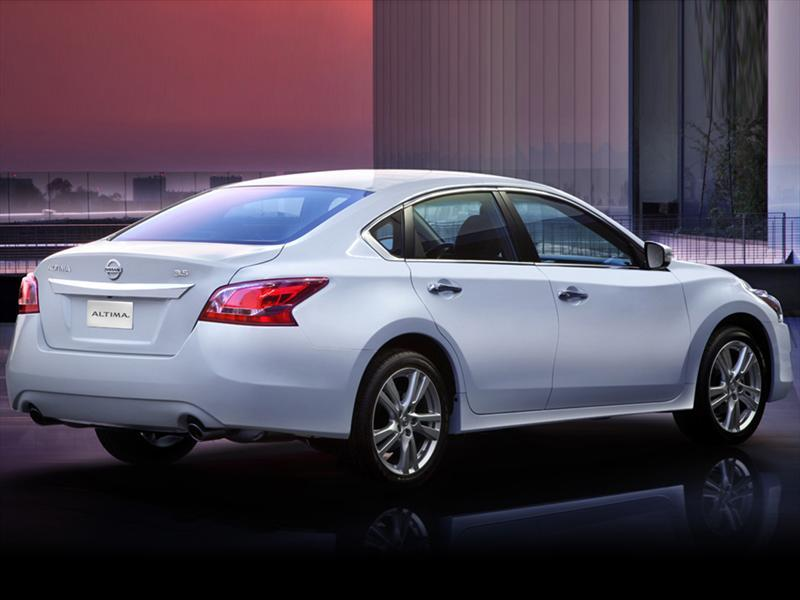 Nissan Altima Exclusive (2014)
