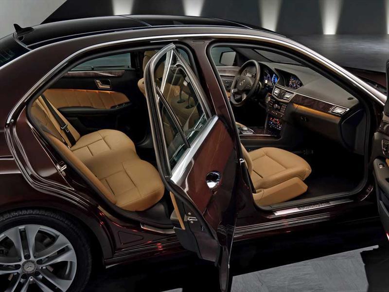 Mercedes benz clase e 250 2013 for Artico interieur