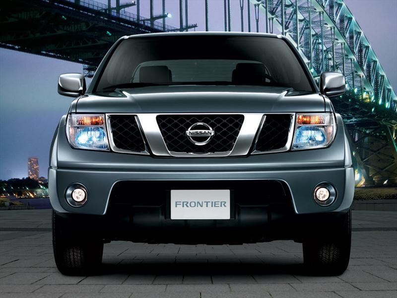 Nissan Frontier 2.4L Doble Cabina 4x4 (2012)