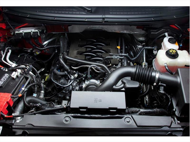 Ford Lobo XLT 4x4 Cabina Regular (2014)