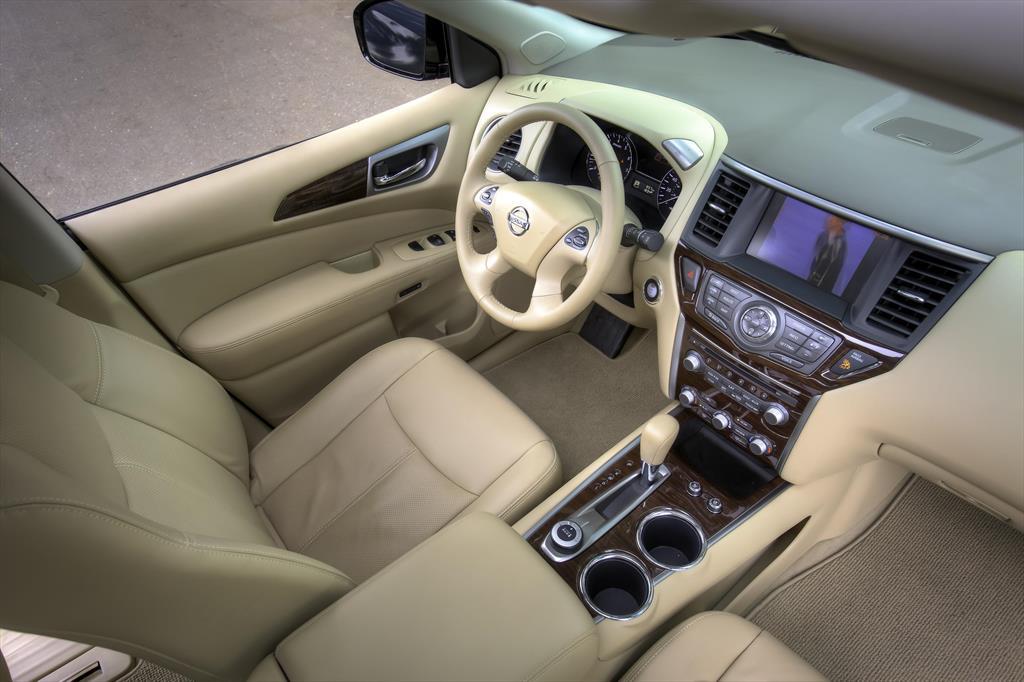 Nissan Pathfinder Advance 2015