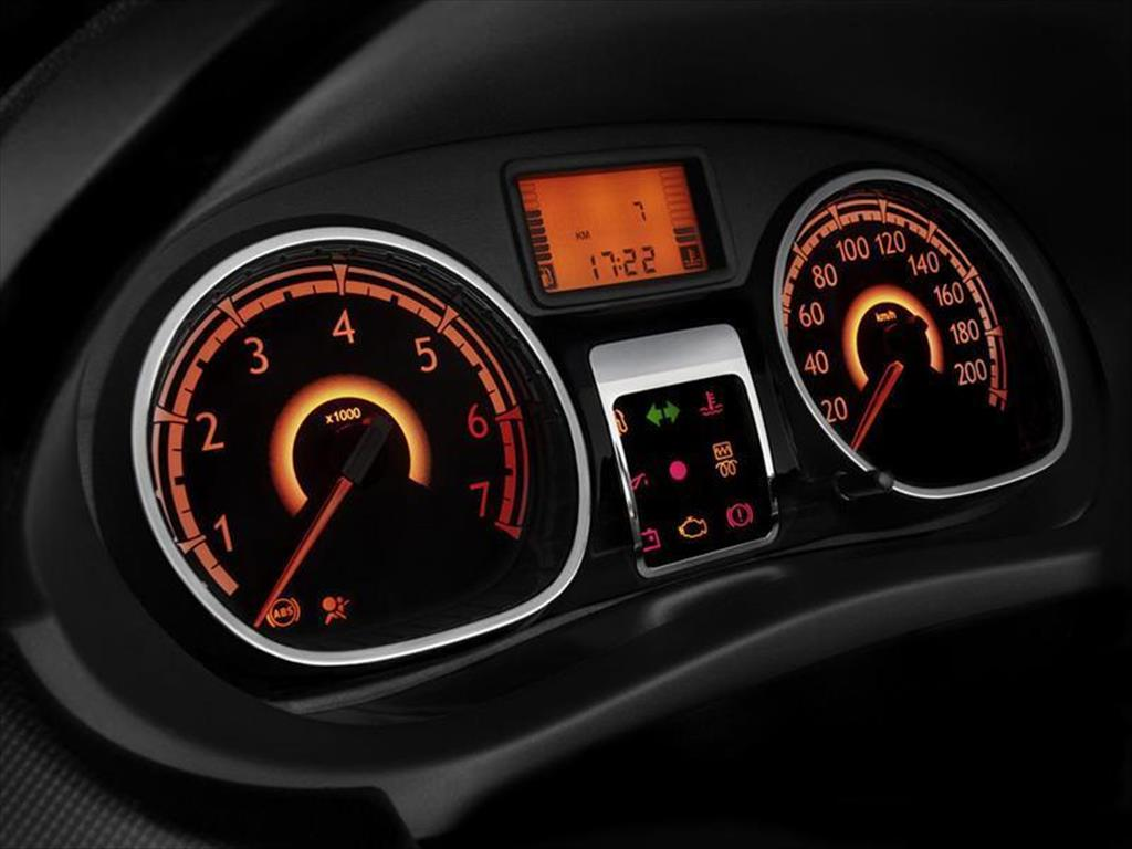 Renault Sandero Expression (2015)