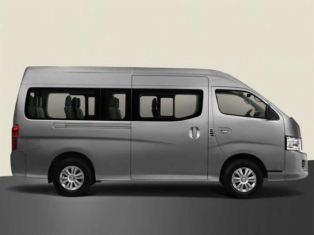 Nissan Urvan Panel Amplia (2017)