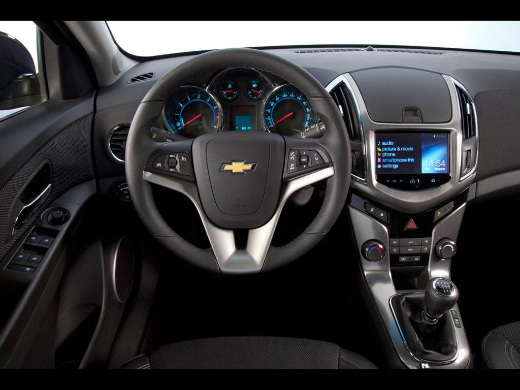 Chevrolet Cruze 5 LT (2013)
