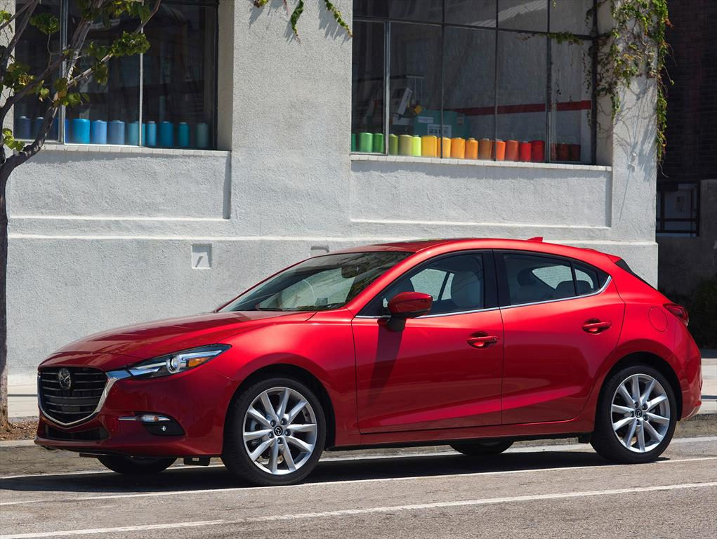 mazda 3 hatchback i touring 2018. Black Bedroom Furniture Sets. Home Design Ideas