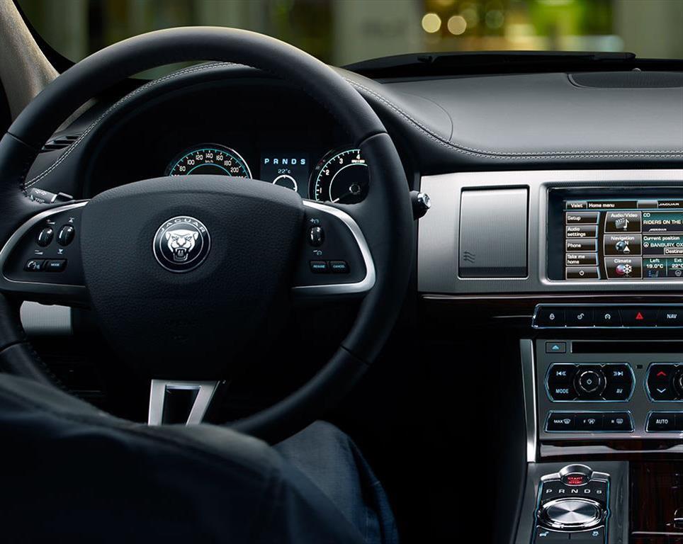 Jaguar Xf 2 0t Luxury 2015