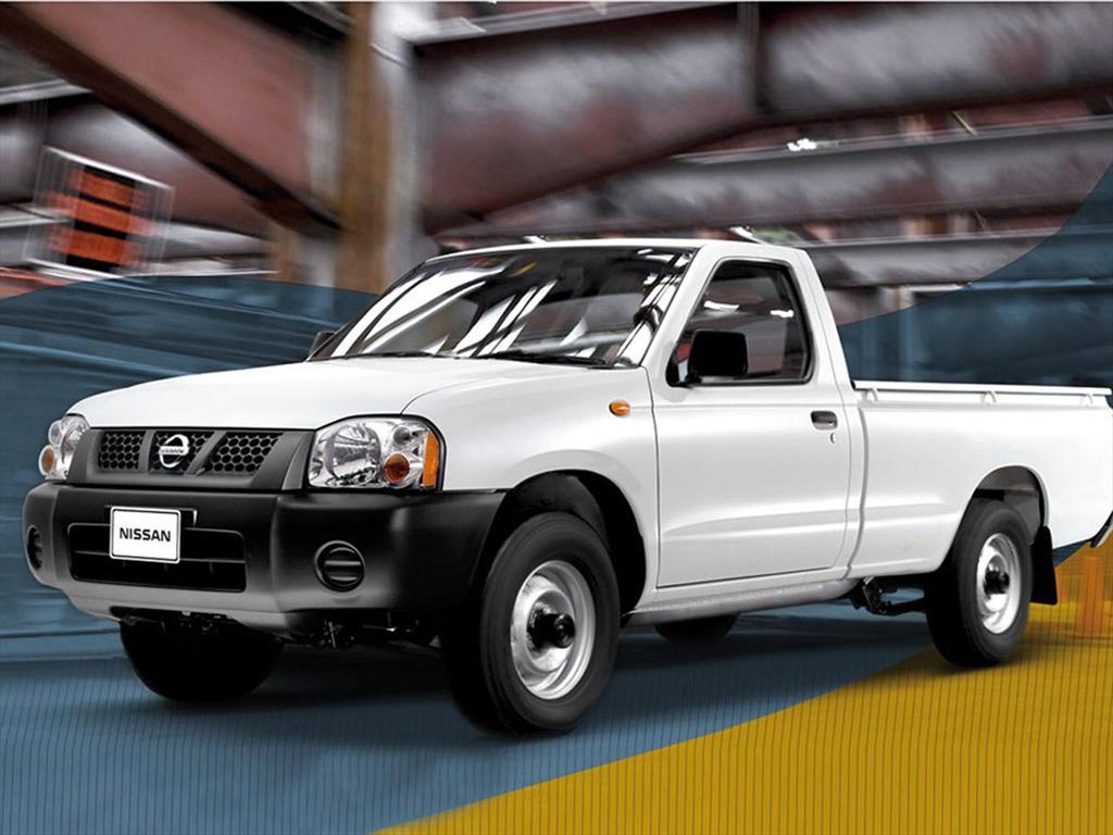 Nissan NP300 2.4L Doble Cabina Lujo (2014)