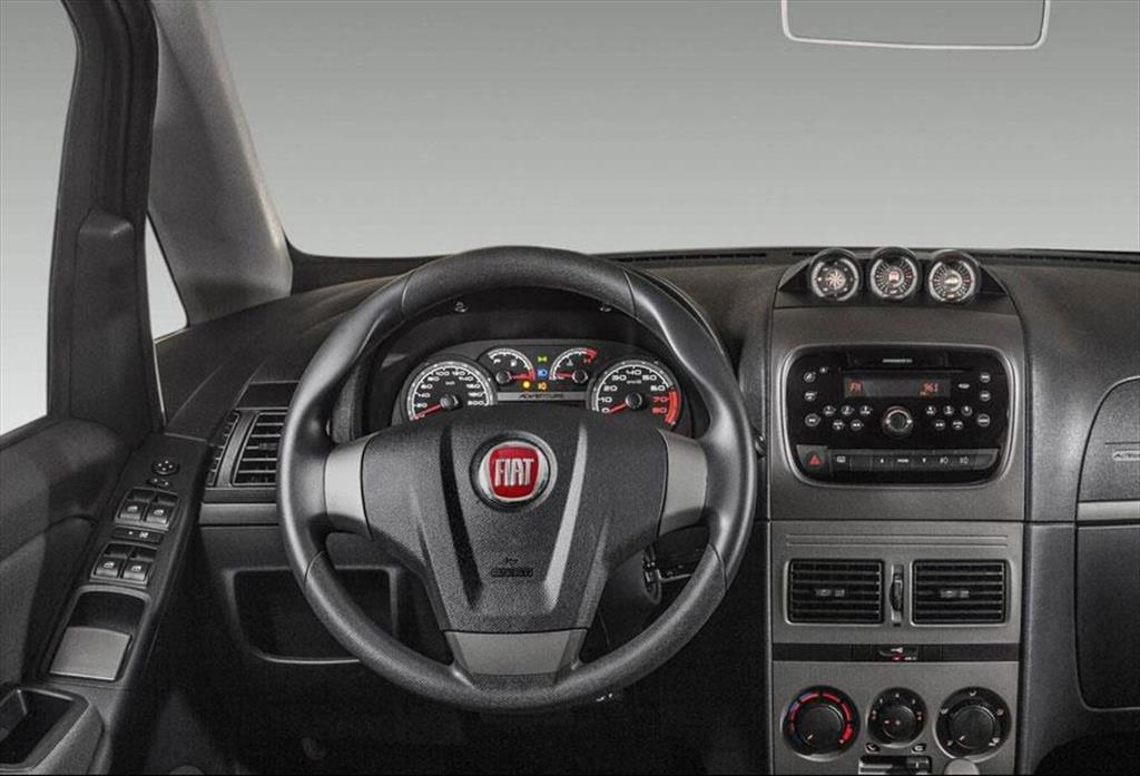 Fiat idea adventure 1 6l 2015 for Paragolpe delantero fiat idea adventure