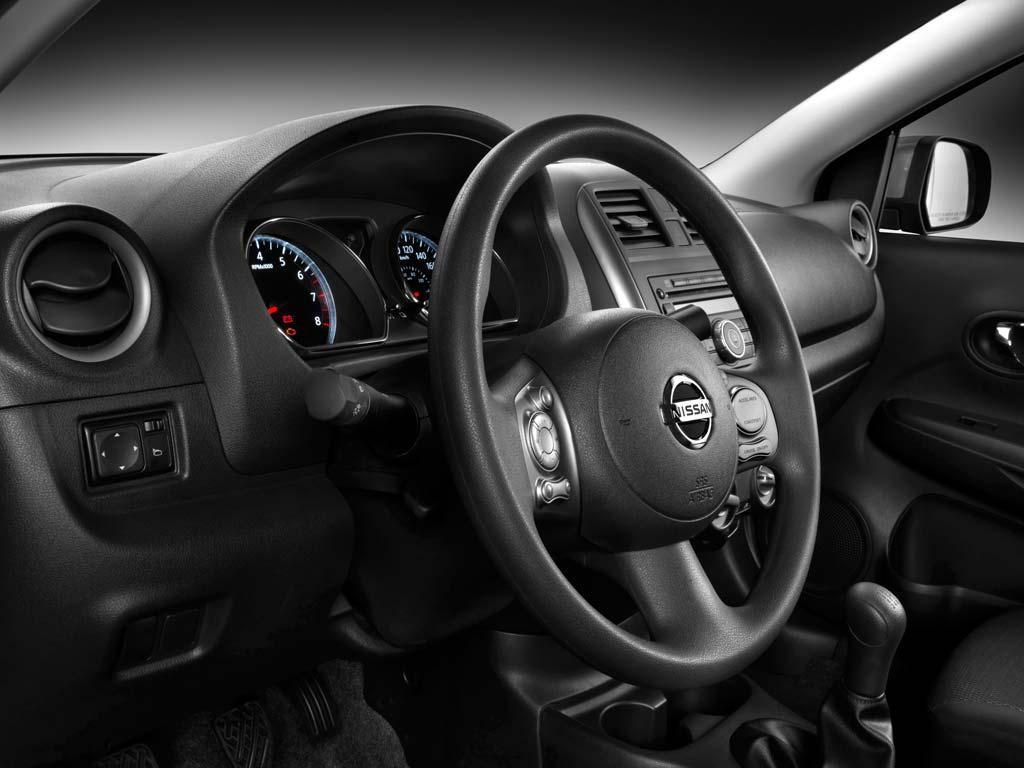 Nissan Versa 1.6L Advance Aut (2013)