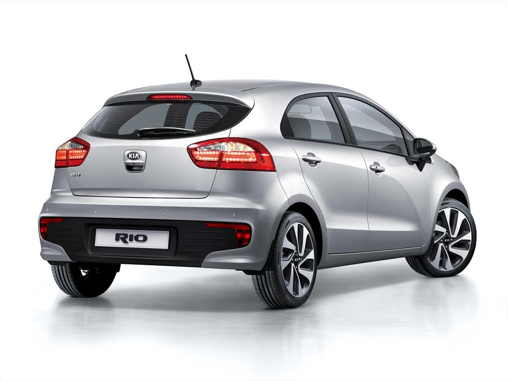 kia rio hatchback informaci n 2016. Black Bedroom Furniture Sets. Home Design Ideas