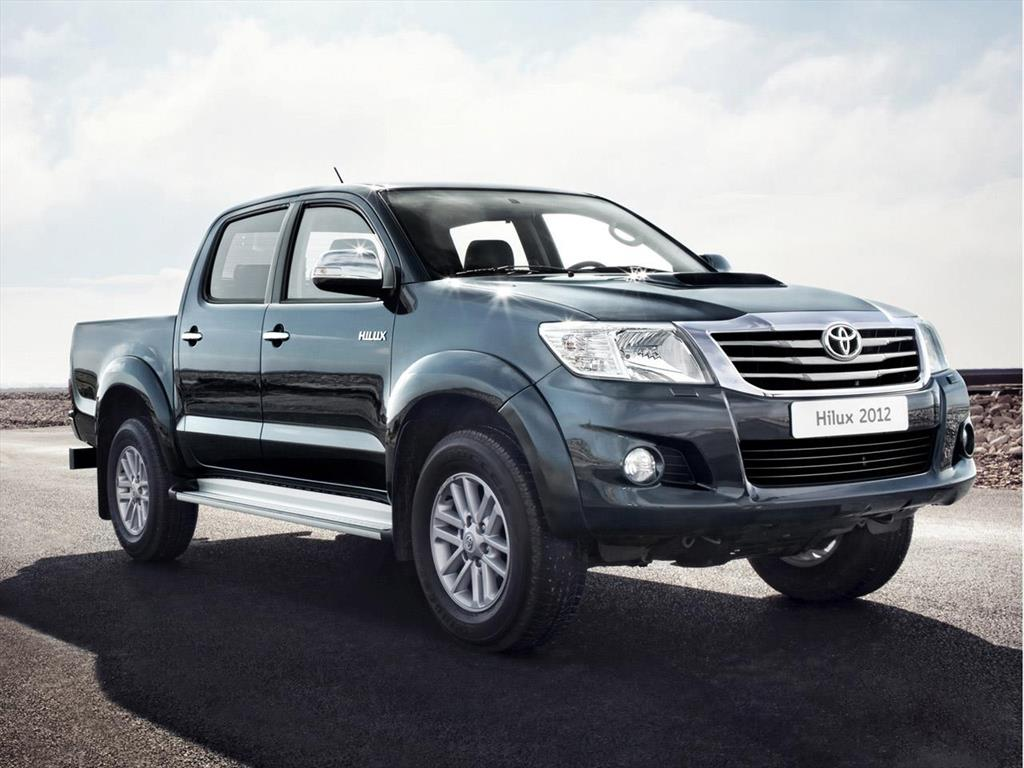 toyota hilux 2 5l 4x4 tdi dc 2016. Black Bedroom Furniture Sets. Home Design Ideas