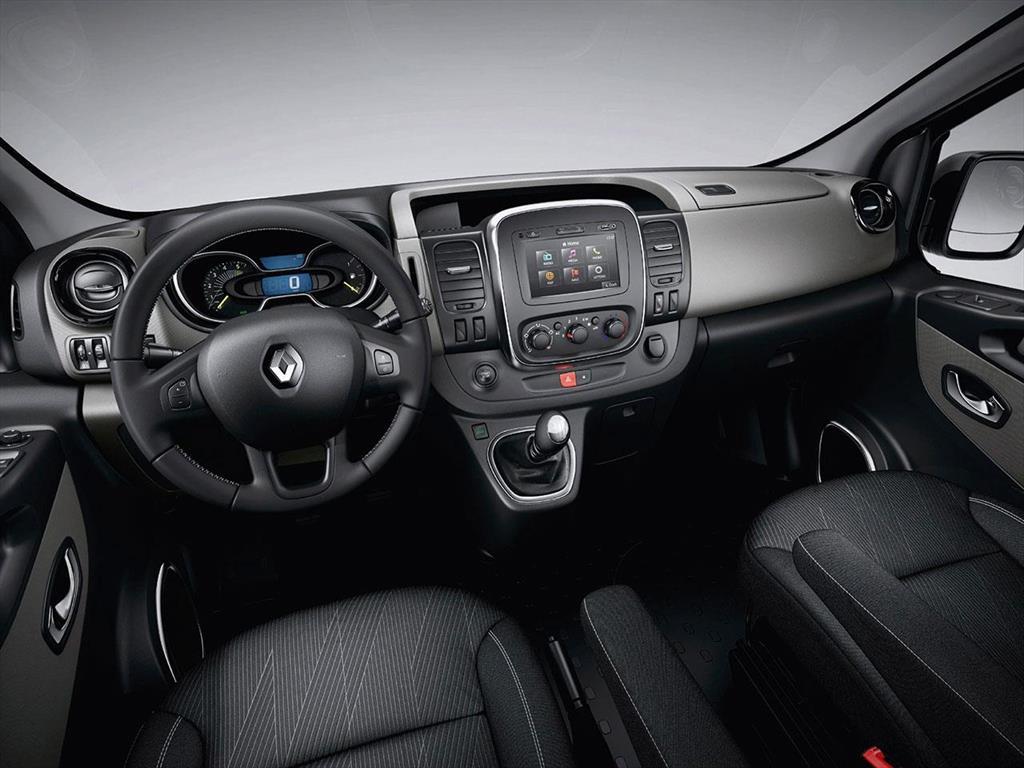 Renault trafic precio del cat logo y cotizaciones for Renault 8 interieur