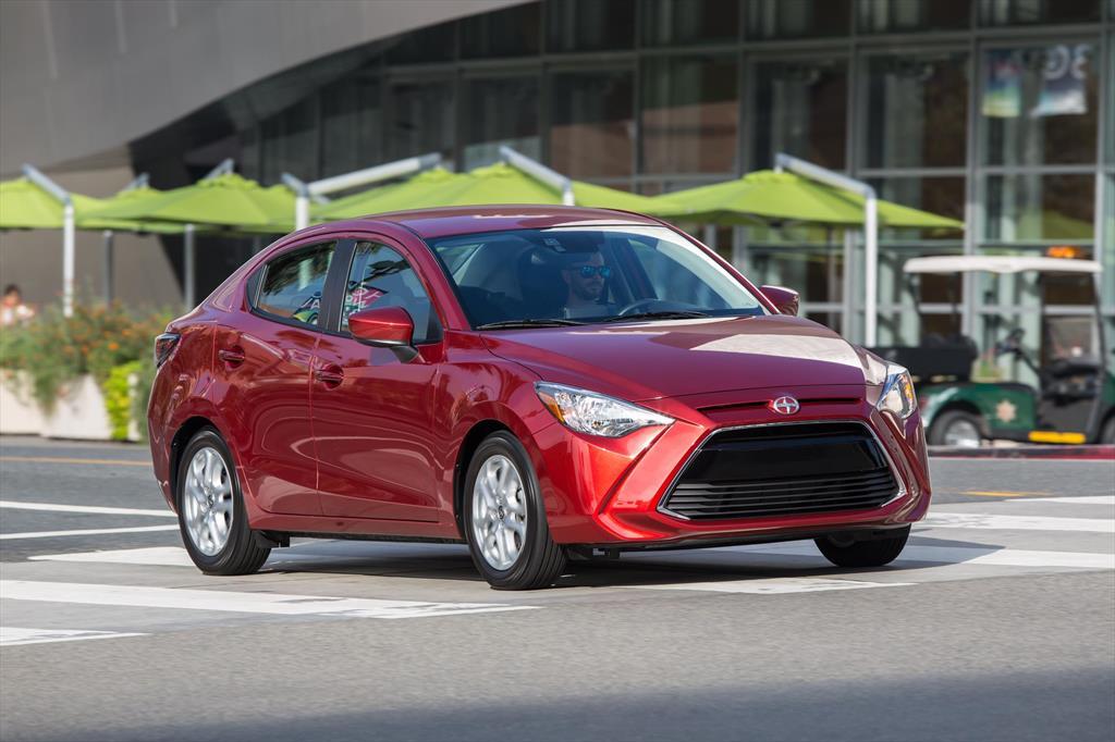 Toyota Yaris R LE (2018)