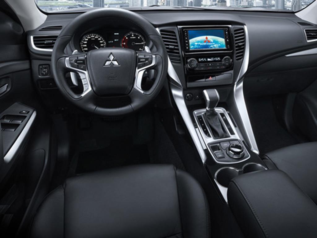 Mitsubishi Montero Sport 2.4L GLS 4x4 (2017)